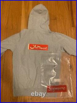 AUTHENTIC w RECEIPT FW19 Supreme Bandana Box Logo Gray Hoodie/Crewneck Small
