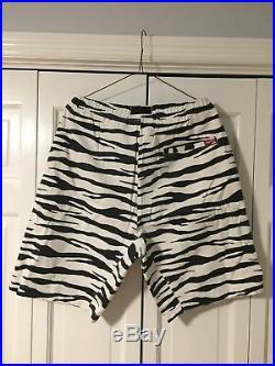 Supreme Zebra Leopard Shorts Safari Camp Cap Box Logo Hoodie Shirt North Face 34